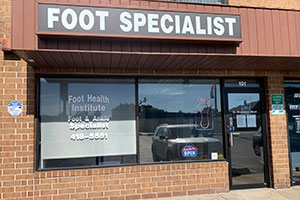 Foot doctor, Podiatrist in Lansing, IL 60438